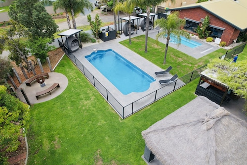 . Federation Motel Resort