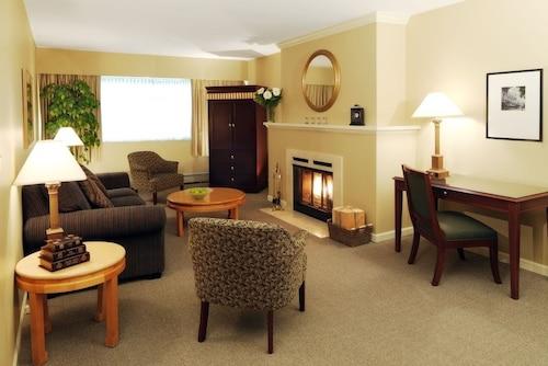 . Rosellen Suites At Stanley Park