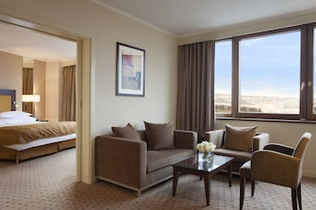 Executive Suite, City View (Spa Access + Executive lounge)