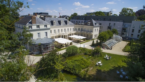 . Château Belmont Tours by The Crest Collection
