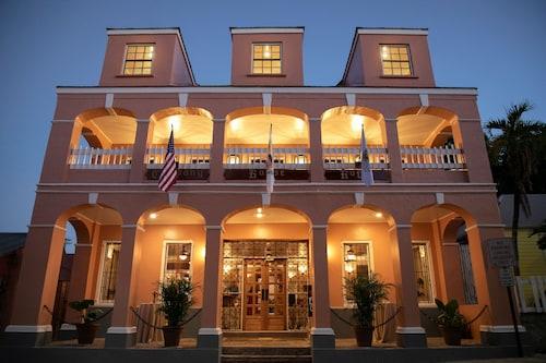 . Company House Hotel