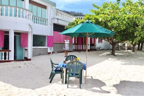 Gem Holiday Beach Resort,