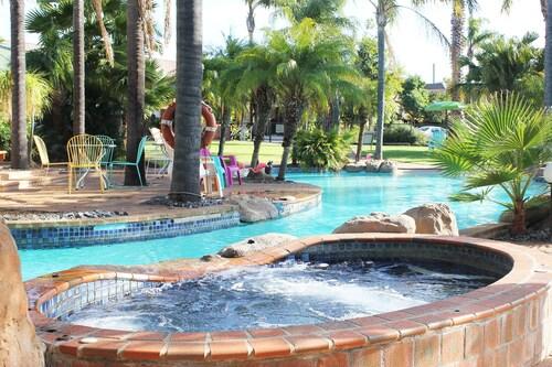 . Swan Hill Resort