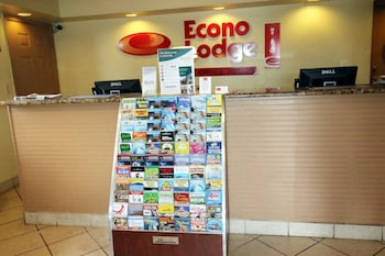 Lobby at Econo Lodge Inn & Suites Maingate Central in Kissimmee