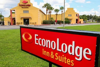 Hotel - Econo Lodge Inn & Suites Maingate Central