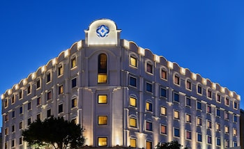 歐華飯店 The Riviera Hotel