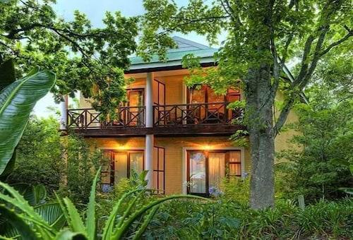 Far Hills Hotel, Eden