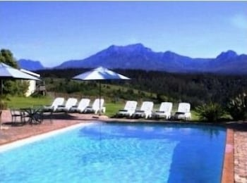 파 힐스 호텔(Far Hills Hotel) Hotel Image 44 - Outdoor Pool