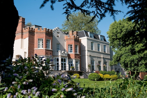 __{offers.Best_flights}__ Taplow House Hotel