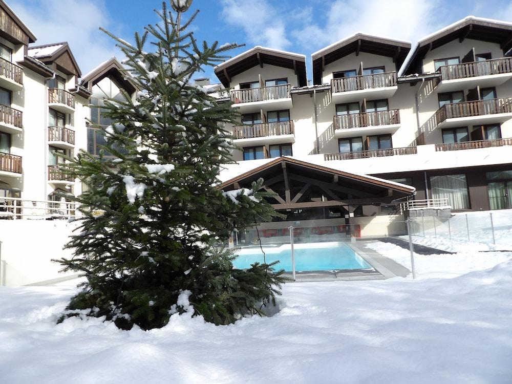 르 레퓨지 데 에글론(Hôtel Le Refuge des Aiglons) Hotel Image 35 - Outdoor Pool