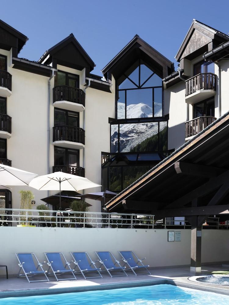 르 레퓨지 데 에글론(Hôtel Le Refuge des Aiglons) Hotel Image 36 - Outdoor Pool