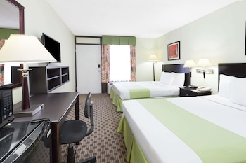 Guestroom at Days Inn by Wyndham Irving Grapevine DFW Airport North in Irving