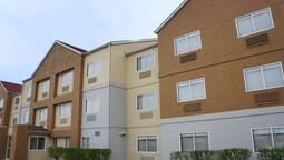 La Quinta Inn & Suites by Wyndham Emporia