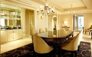 Presidential Suite, 1 King Bed (Living and Dining Area)