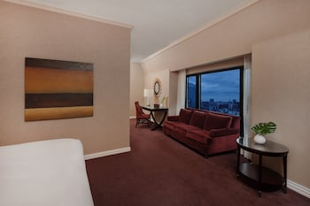 Premium Room, 1 King Bed with Sofa bed, Corner