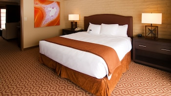 Suite, 1 King Bed with Sofa bed, Poolside (2 Room)