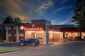 Hotel - Ramada by Wyndham Pinewood Park Resort North Bay