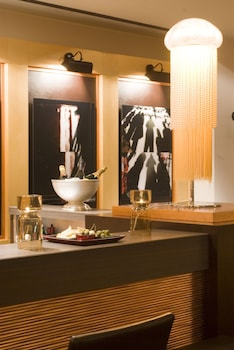 ホテル バー