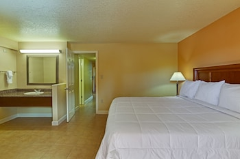 Superior Suite, 1 King Bed and 1 Murphy Bed
