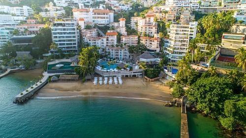 . Park Royal Beach Acapulco