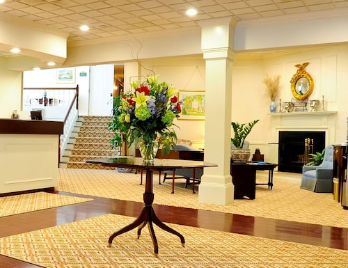 __{offers.Best_flights}__ The Farmington Inn & Suites