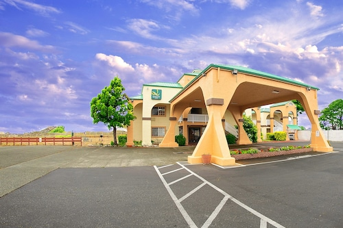. Quality Inn & Suites Crescent City Redwood Coast