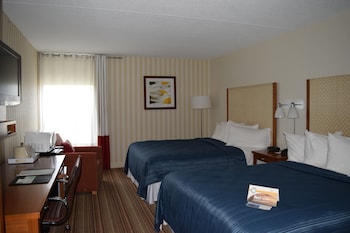 Traditional Room, 2 Queen Beds, Non Smoking, Refrigerator