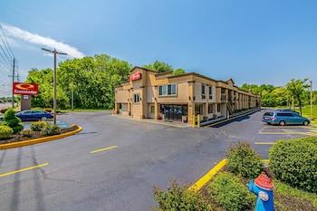 Econo Lodge Mt Laurel - Exterior  - #0
