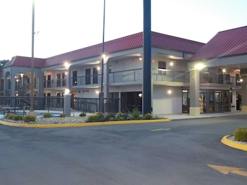 Hotel - SureStay Hotel by Best Western Lenoir City