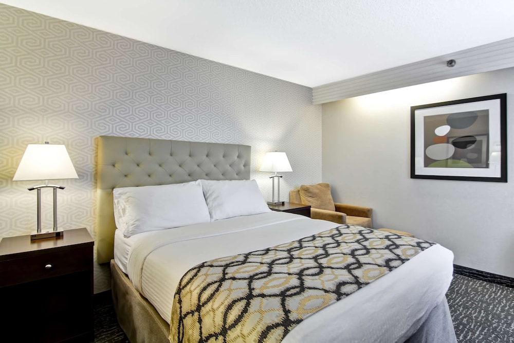 Standard Room, 1 Queen Bed, Non Smoking, Balcony