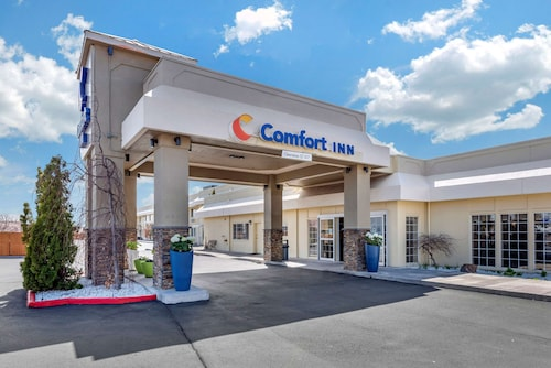 . Comfort Inn & Suites Klamath Falls