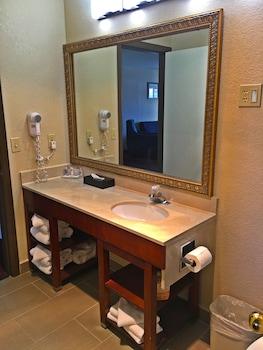 Comfort Inn & Suites Klamath Falls - Bathroom  - #0