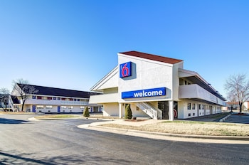 Hotel - Motel 6 Springfield - North
