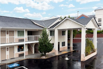 Hotel - Days Inn by Wyndham Dahlonega