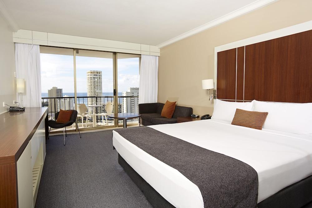 만트라 온 뷰 호텔(Mantra on View Hotel) Hotel Image 2 - Guestroom