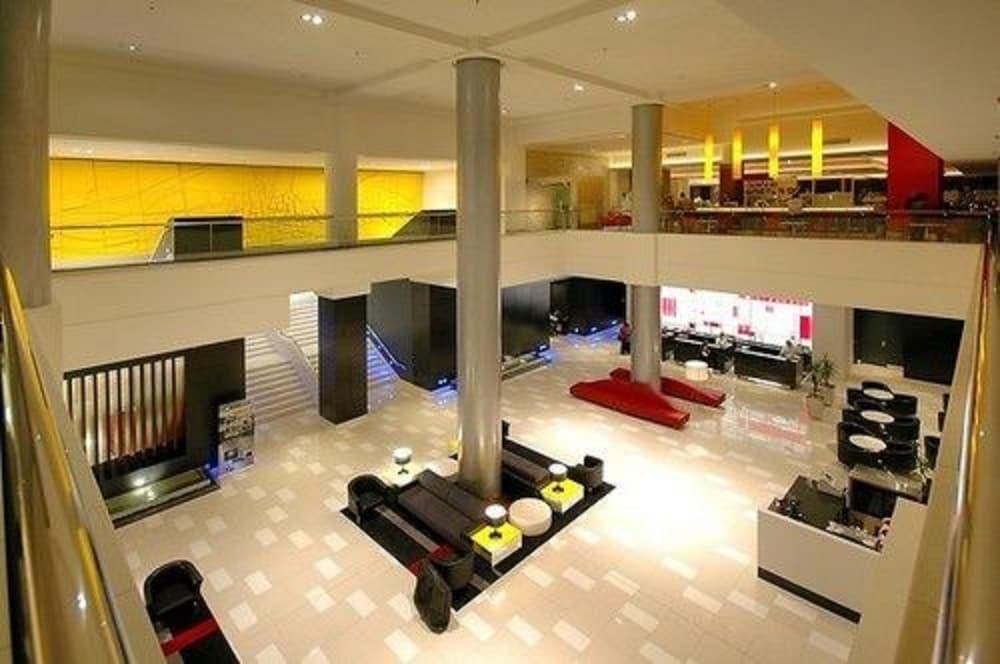 만트라 온 뷰 호텔(Mantra on View Hotel) Hotel Image 17 - Interior Entrance