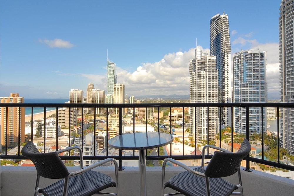 만트라 온 뷰 호텔(Mantra on View Hotel) Hotel Image 5 - Balcony