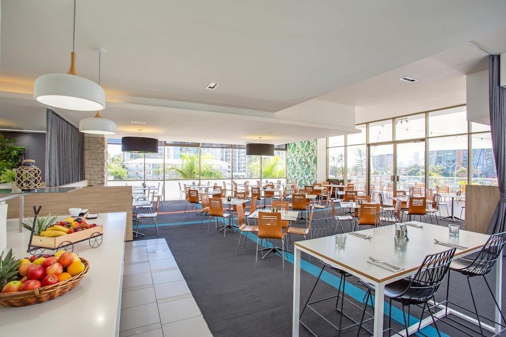 만트라 온 뷰 호텔(Mantra on View Hotel) Hotel Image 19 - Restaurant