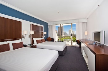 Guestroom at Mantra on View Hotel in Surfers Paradise