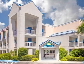 Days Inn by Wyndham Hilton Head