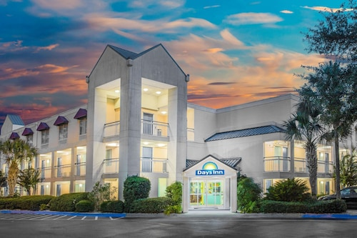 . Days Inn by Wyndham Hilton Head
