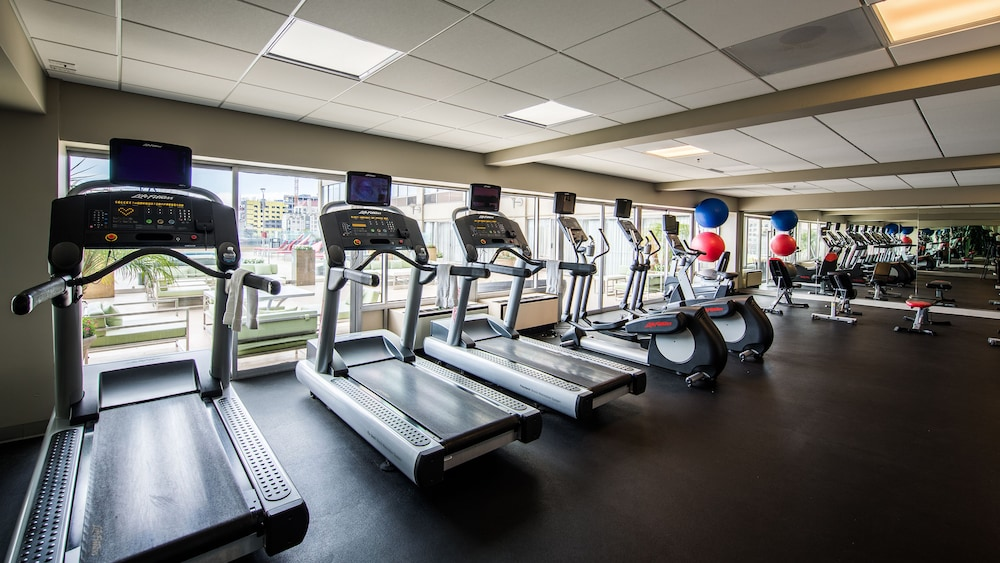 Health and Fitness : Fitness Facility 26 of 107