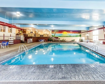 Marietta Vacations - Quality Inn - Property Image 1