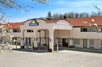 Hotel - Days Inn by Wyndham Monroeville Pittsburgh