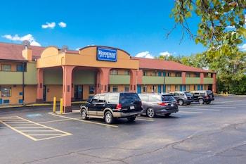門羅維爾 - 匹茲堡羅德威套房飯店 Rodeway Inn & Suites Monroeville-Pittsburgh