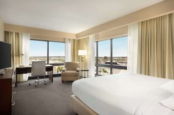Suite, 1 King Bed (Treat Yourself)