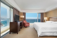 Executive Suite, 1 King Bed, View, Oceanfront