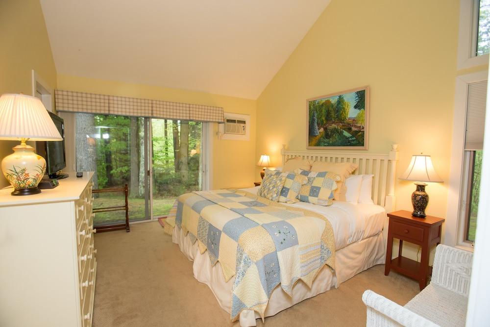 Room (Resort Home 710B)