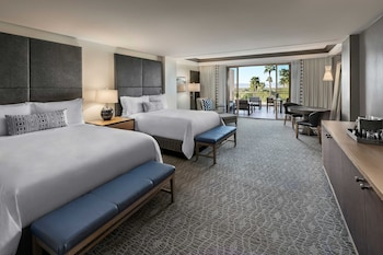 Room, 2 Queen Beds, Non Smoking, No View