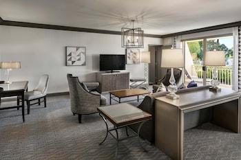 Executive Suite, 1 Bedroom, Balcony, Resort View